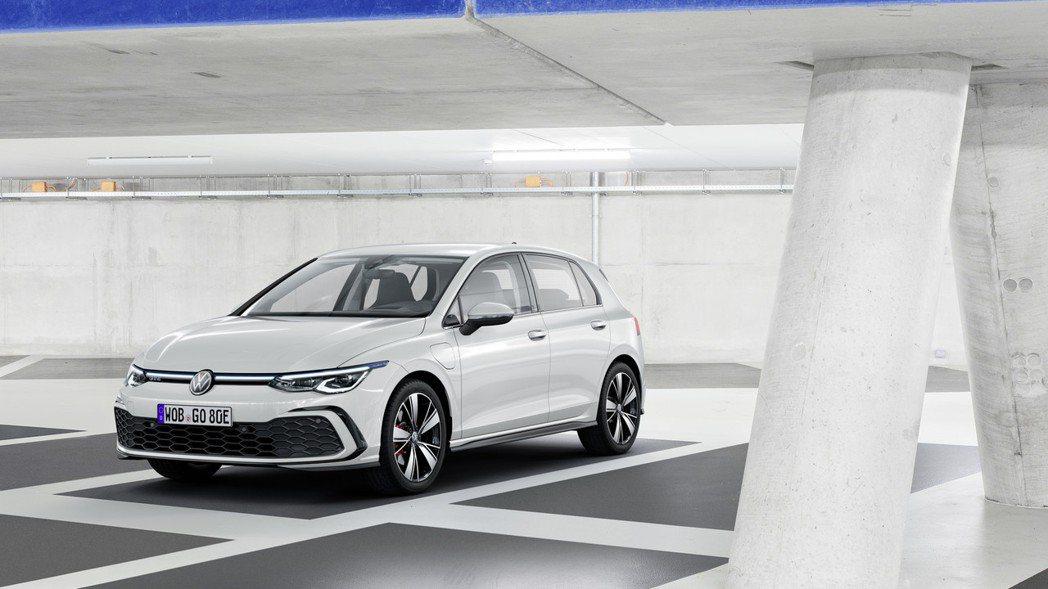 全新Golf GTE (eTSI) 共有三種動力可選擇,分別為最大馬力108hp...