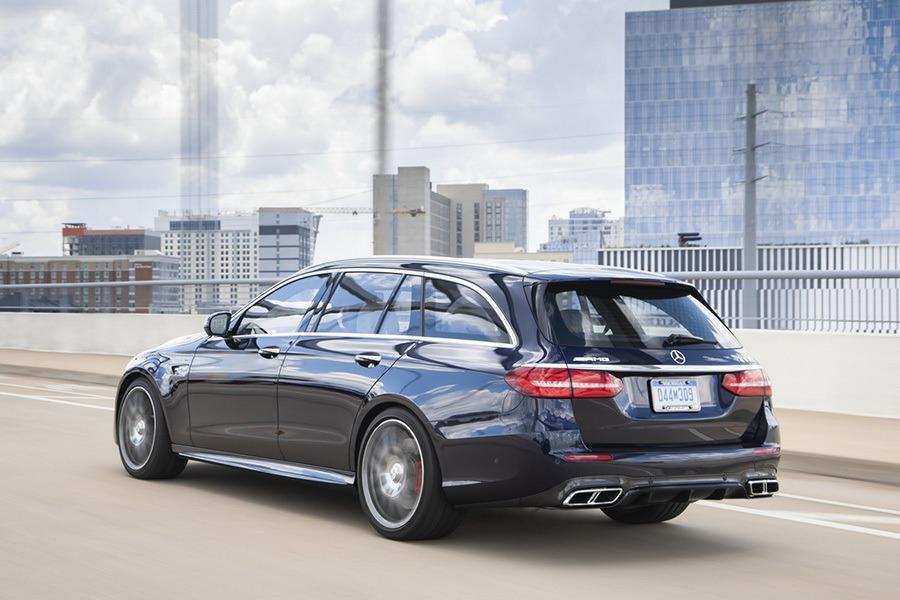 後尾翼可能會噴飛! Mercedes-Benz E-Class開始召回