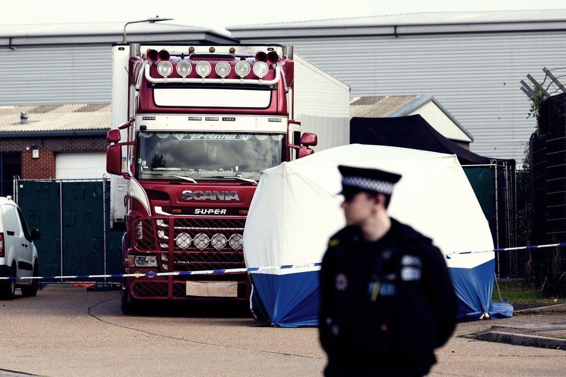 英國一輛貨櫃車發現39具屍體,昨日指出都為大陸籍,消息一出震驚大陸。圖/取自歐新...