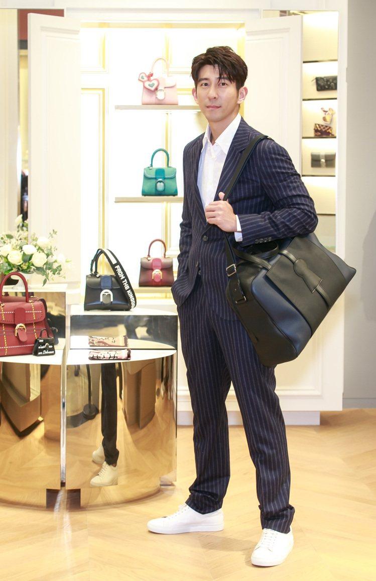 修杰楷穿Brunello Cucinelli羊毛西裝14萬7,600元、亞麻襯衫...