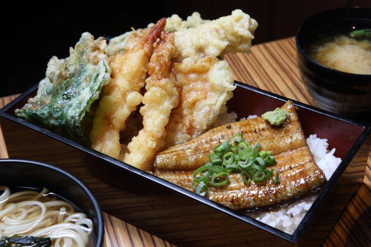 一次可品嚐兩種料理的「天婦羅和鰻魚飯」,390元。記者陳睿中/攝影