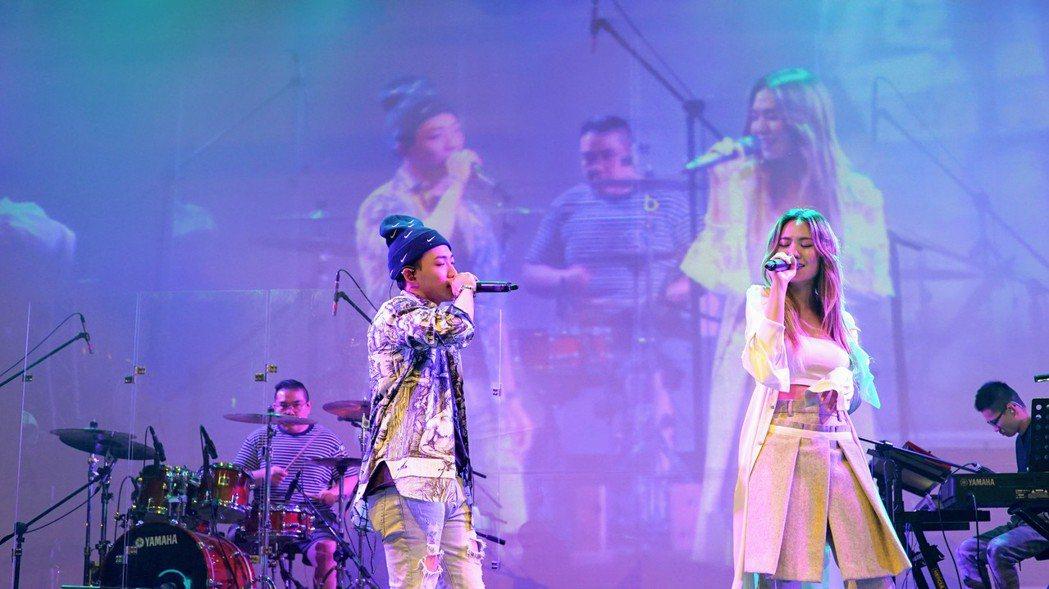 孫盛希「都市女聲」台中開唱,嘉賓由ØZI擔任。圖/滾石提供