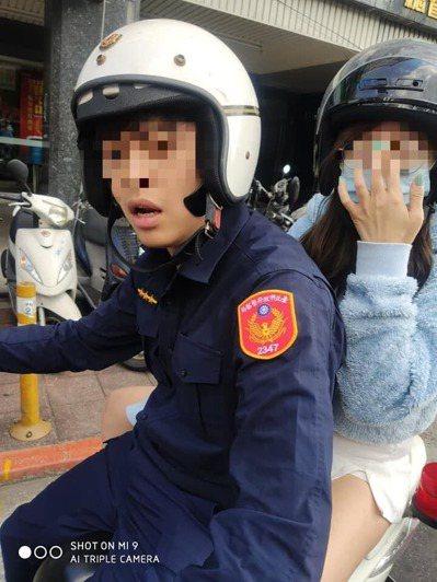 有網友發現王警後座女友,疑似是與嘎嘎交往過的屁蛋妹蔡雯雯。 圖/臉書路安專案