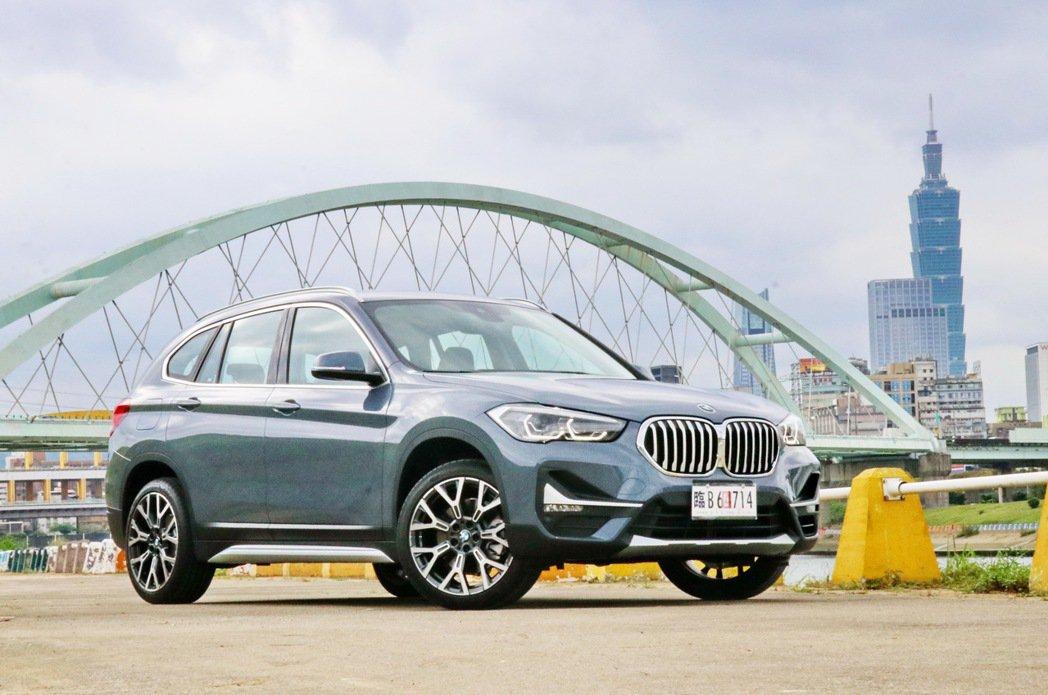 以全新樣貌展現豪華特質的BMW X1 sDrive20i。 記者陳威任/攝影