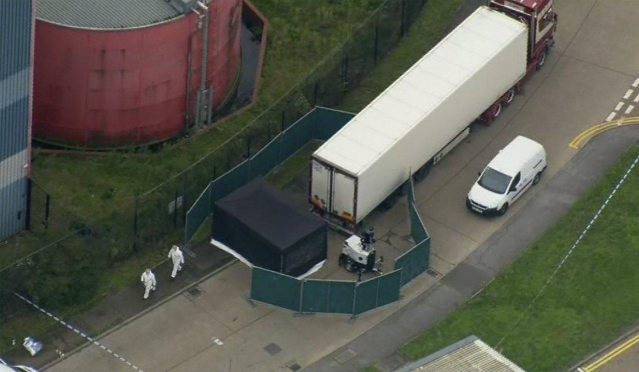 英國貨櫃車39屍命案震驚全球,罹難者疑似被人蛇集團安排偷渡,才會潛入到冷凍貨櫃中...