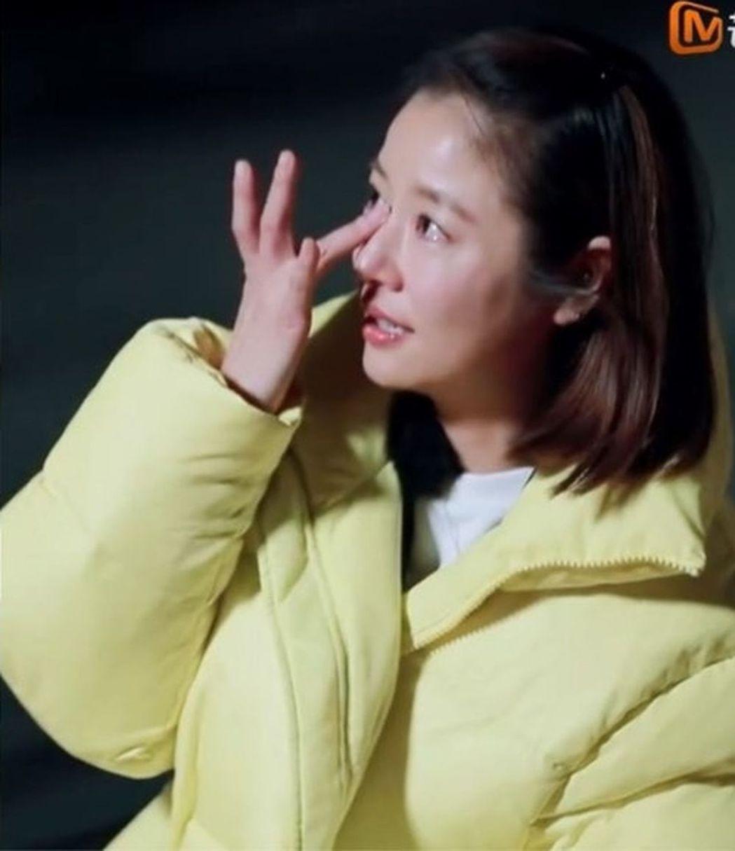 林心如參加《親愛的客棧》,接受訪談時一度情緒激動落淚。圖/截自影片