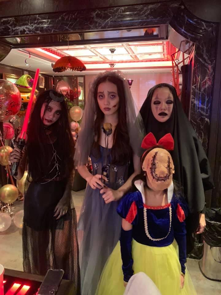 小S與三個女兒的萬聖節裝扮。 圖/擷自小S臉書