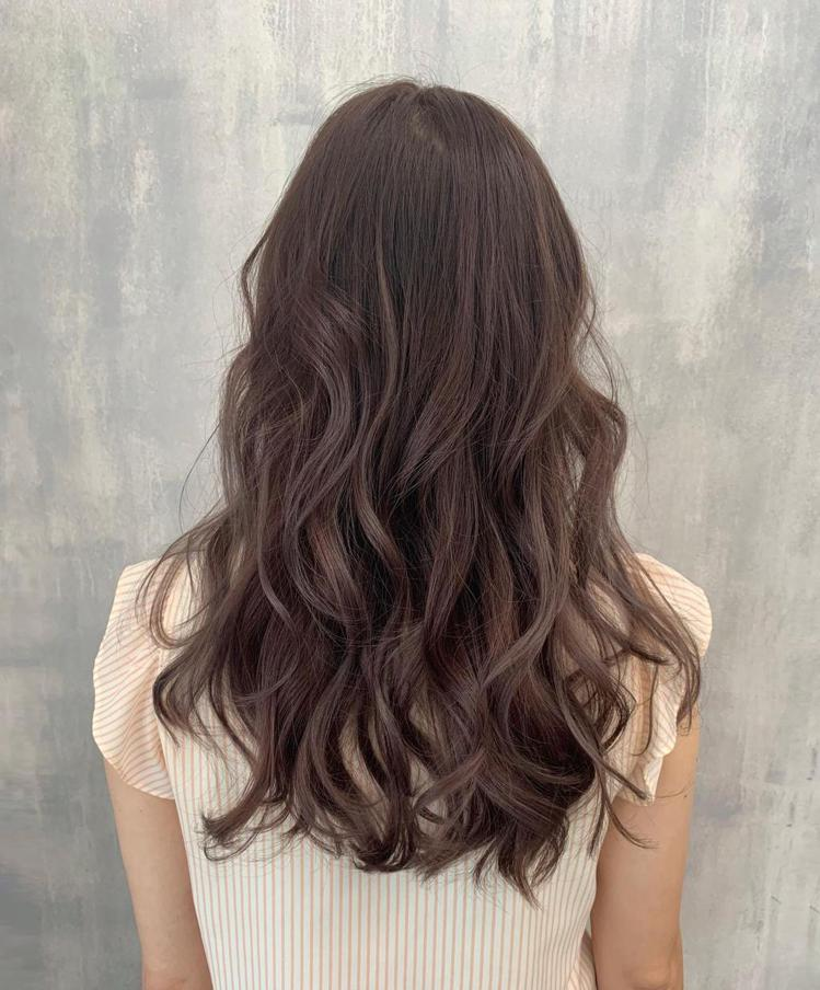髮型創作/默·MO HAIR / Rima 瑞瑪/StyleMap美配提供