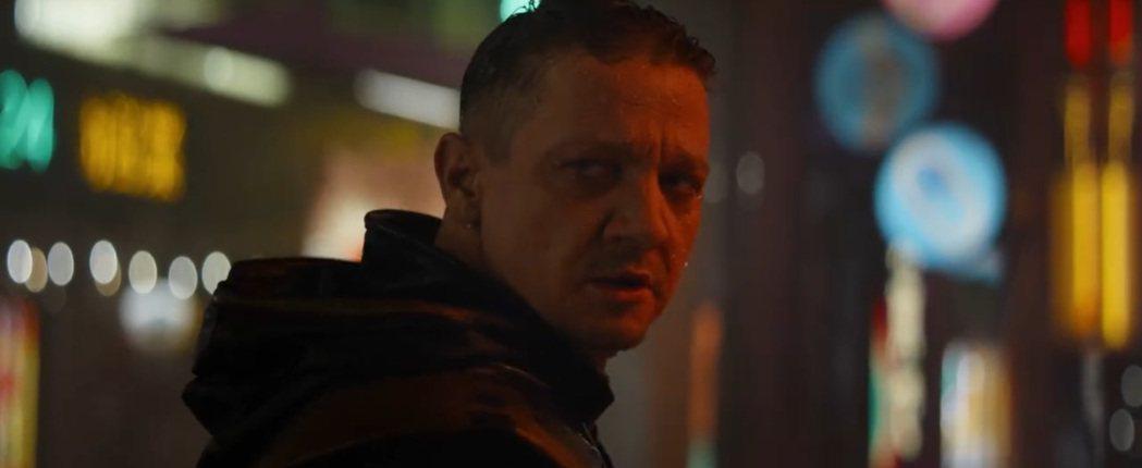 傑瑞米雷納飾演的「鷹眼」,將成為影集主角。圖/摘自imdb