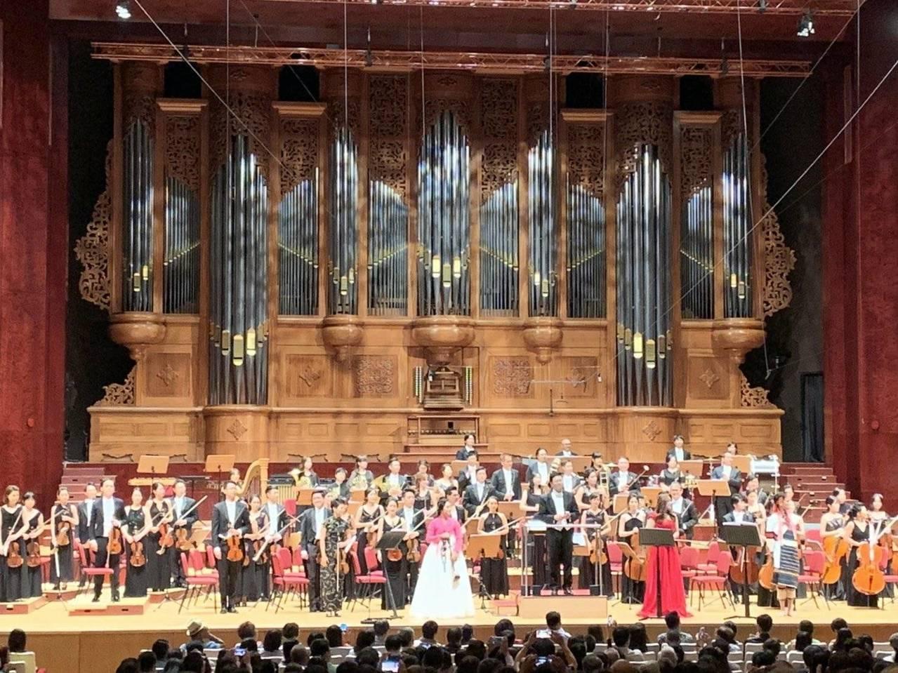 灣聲樂團於國家音樂廳演奏。圖/長庚紀念醫院提供