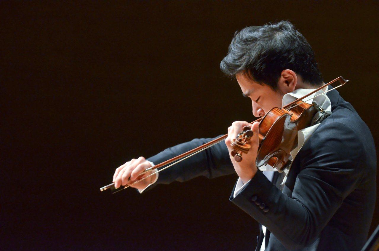 31歲的日本天才小提琴家五嶋龍(Ryu Goto)將來台演出,11月6、9日晚間...