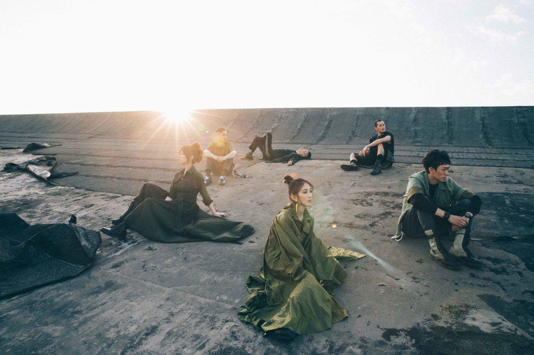 佛跳牆樂團11月7日推出第4號音樂作品「BJ肆」。圖/妮樂佛提供