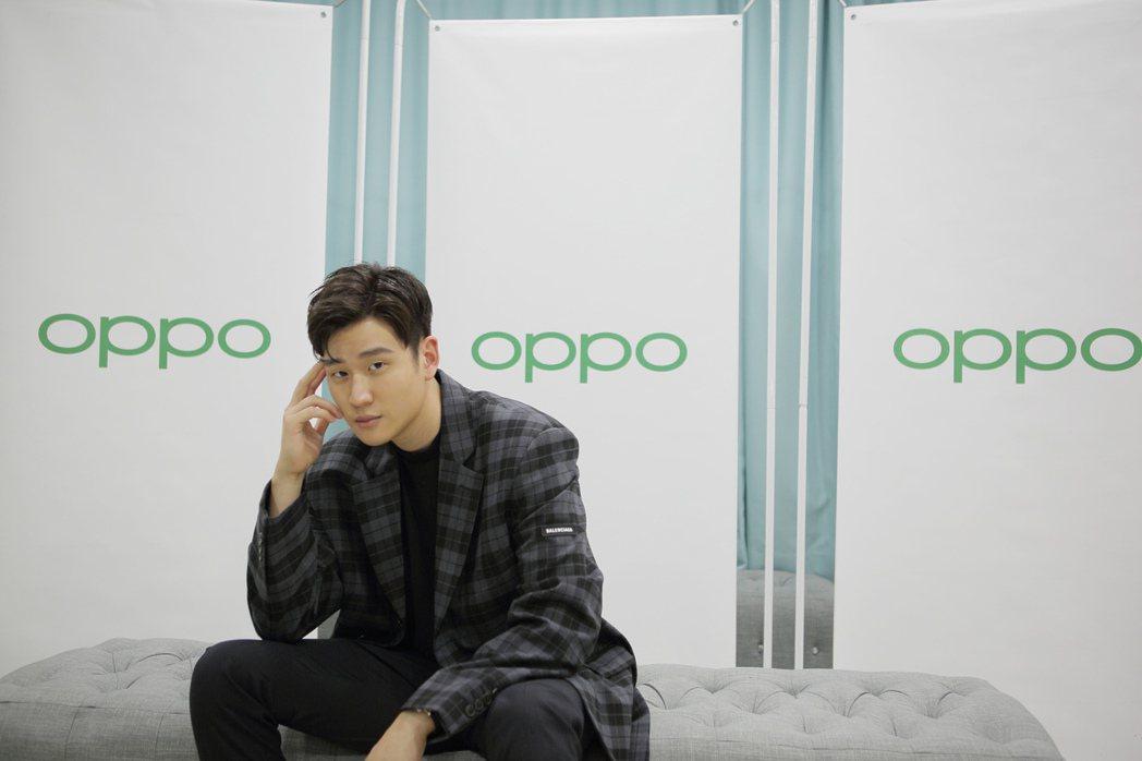 周興哲26日在馬來西亞出席OPPO新手機上市代言記者會。圖/星空飛騰提供