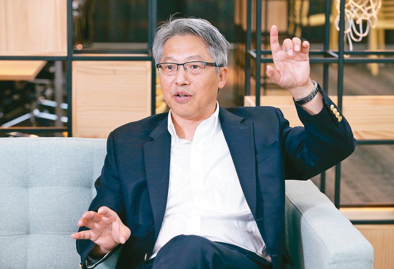 中研院院長廖俊智表示未來中研院將擴大對「基礎研究」的定義,透過「國家生技研究園區...