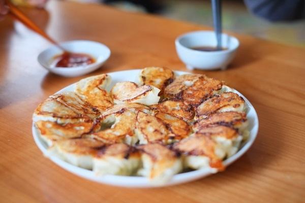 簡單的麵粉水,讓水餃變煎餃、鍋貼。 圖片提供/台灣好食材(來源/zh-tw....