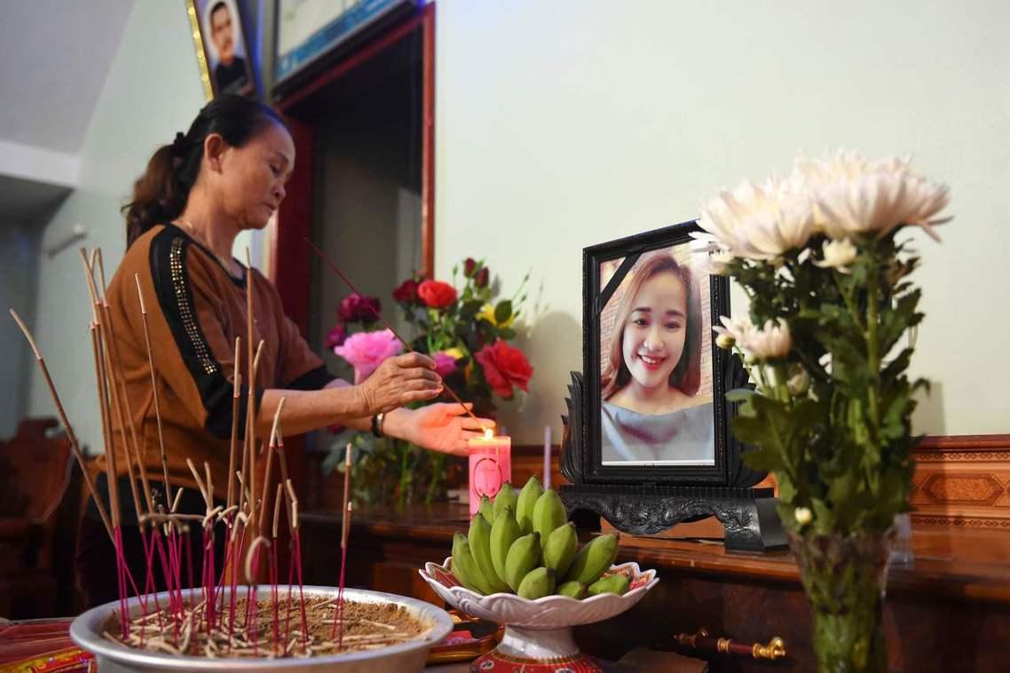19歲的越南女子Bui Thi Nhung,被認為可能是貨櫃藏屍案的死者之一,她...