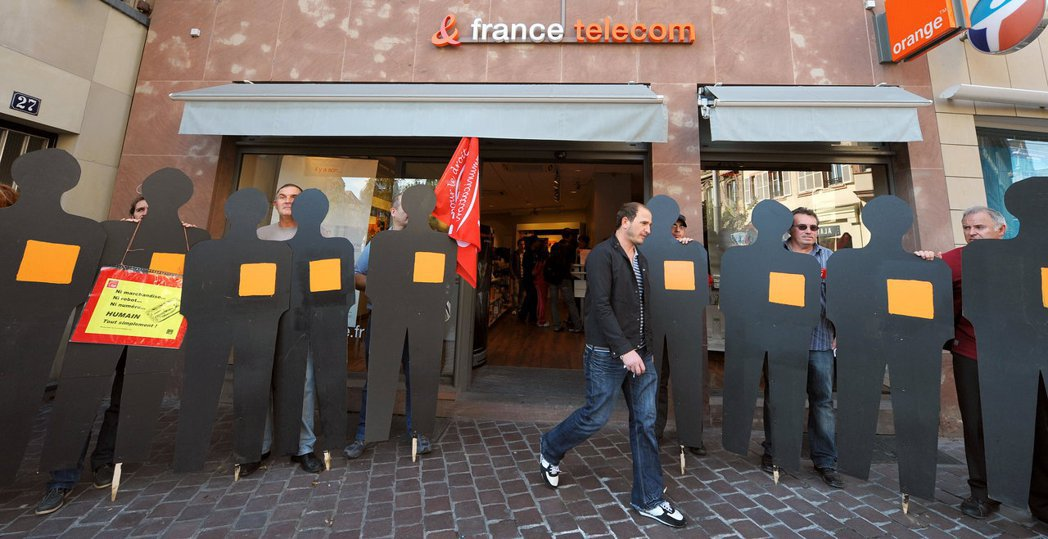法國電信案已是法國工運史和勞動社會學的重要里程碑。這段悲劇不僅反映了新自由主義管...