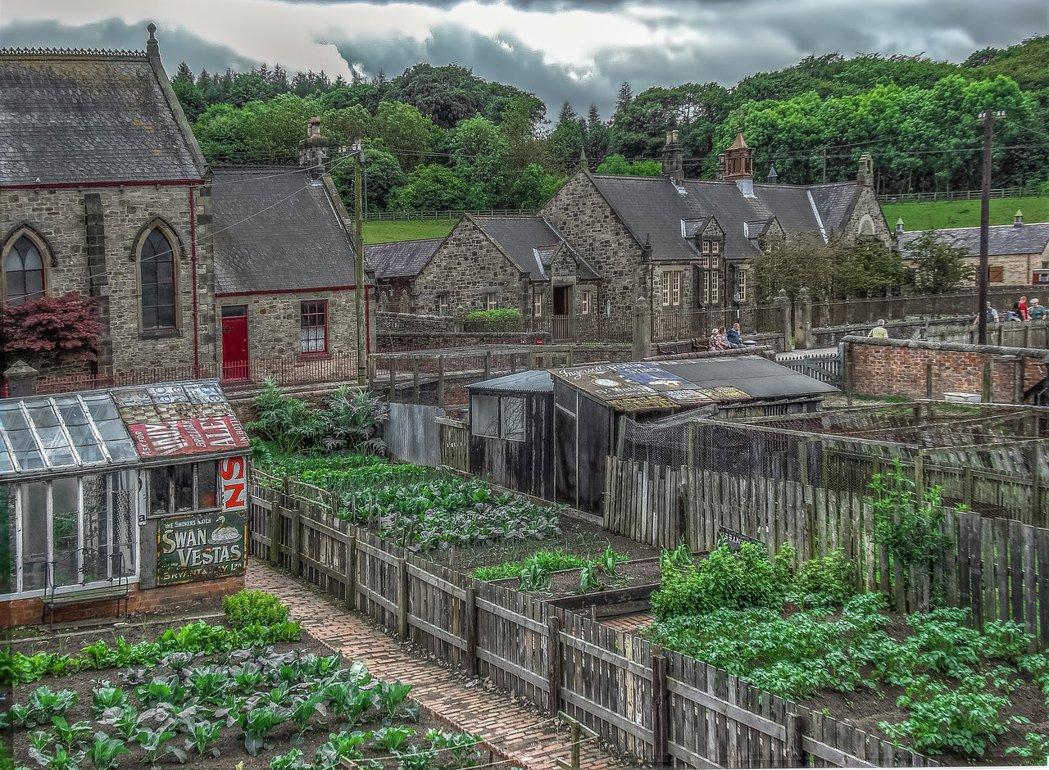 露天博物館也提供社區老人日托服務,讓老人種植農作物,模擬自給自足。 圖/flic...