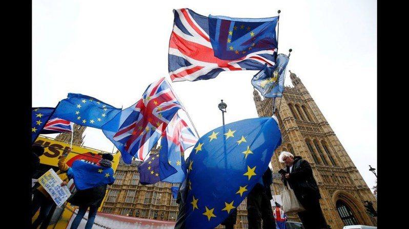 英國社會自從脫歐公投後逐漸瀰漫不安氛圍,迫使部份人民出走。(photo by Youtube)