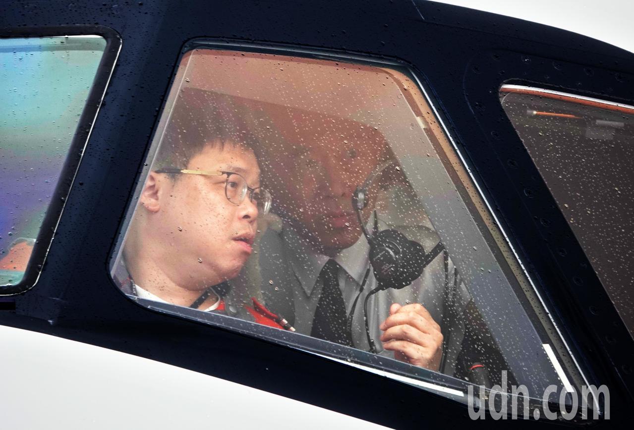 星宇航空第一架飛機中午降落在桃園機場,由董事長張國煒親自駕駛。記者鄭超文/攝影
