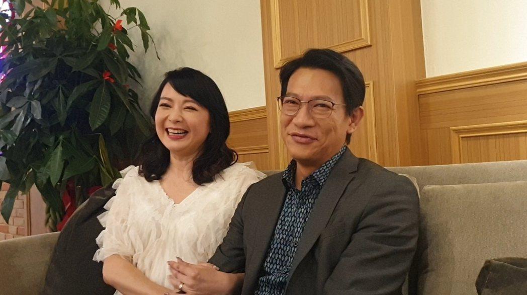 谷懷萱甜蜜挽著徐展元。記者李姿瑩/攝影