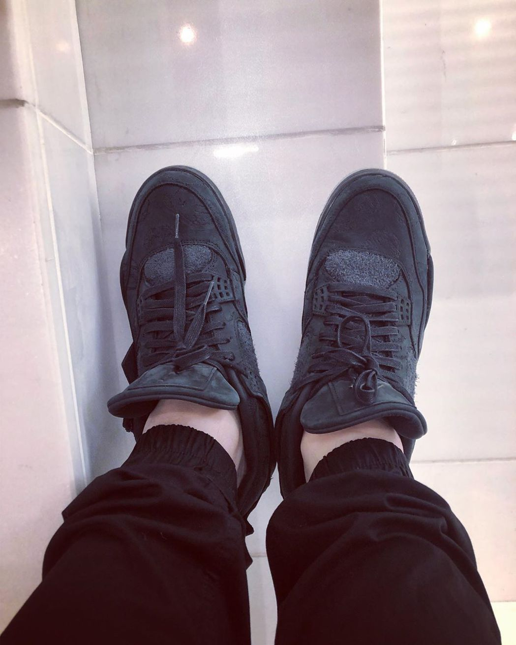 潘瑋柏曬鞋被嫌腿好胖。 圖/擷自潘瑋柏IG