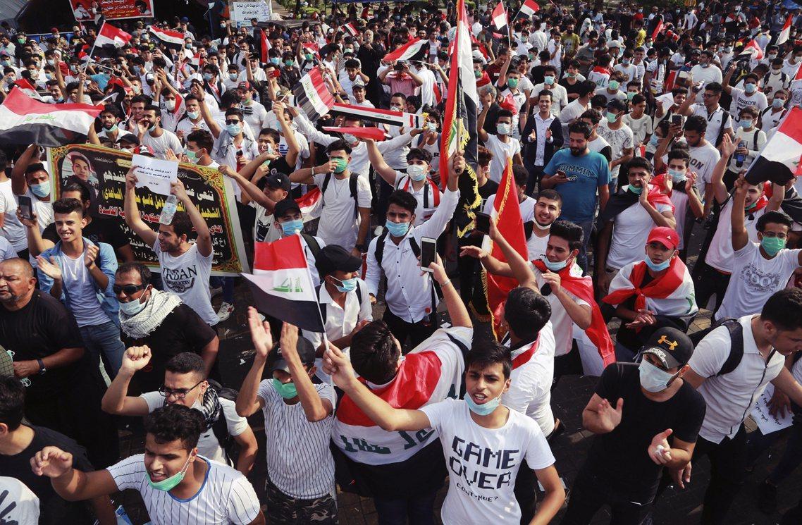 本回的抗爭遊行卻是以20歲以下的年輕人為主,他們大多沒有經歷過海珊的獨裁統治,對...