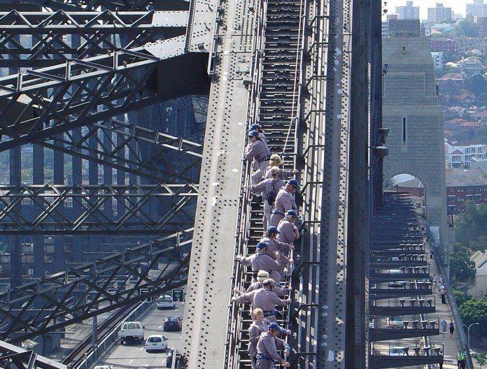 ▲澳洲雪梨景點推薦-雪梨港灣大橋攀登。(圖/Pixabay)