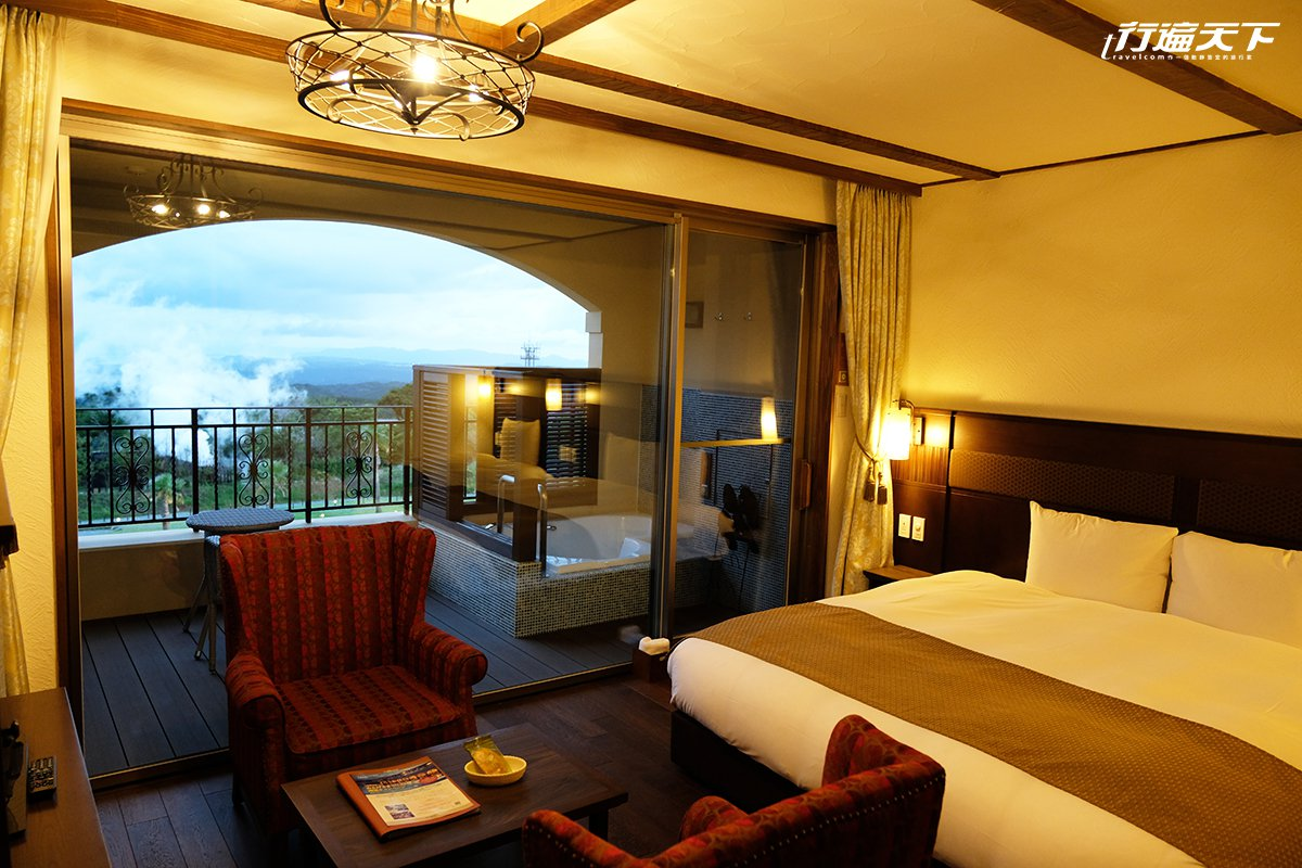 「LA VISTA霧島HILLS」在房內就能眺望錦江灣與櫻島。