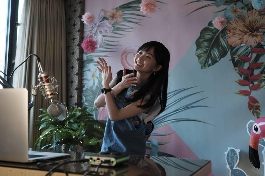 詹宛儒飾演的「糖糖」是網紅直播主。圖/公視提供