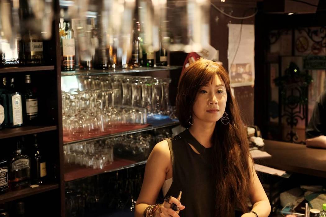 朱芷瑩飾演力挺女兒到底的母親。圖/公視提供