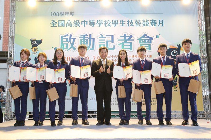 第45屆國際技能競賽的國手勇奪5金5銀5銅23優勝,在63個參賽國中名列第四。圖/教育部提供