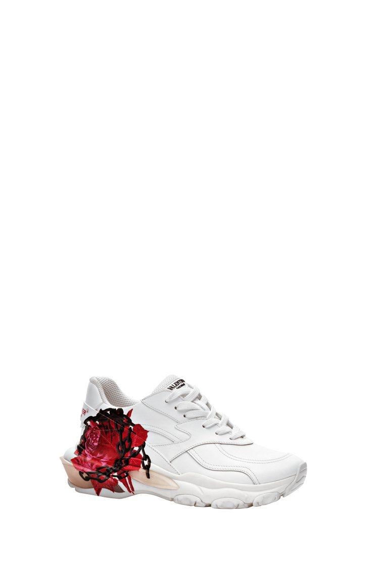 玫瑰鎖鍊圖紋運動鞋,33,200元。圖/Valentino提供