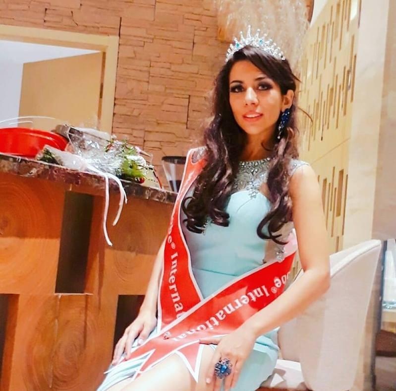 曾是伊朗洲際小姐的巴哈里。(取自臉書)