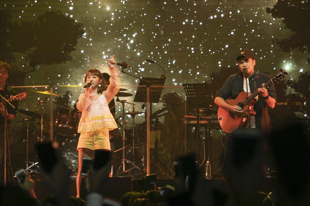 溫妮與蔡哥合唱合作的「菜歌」。圖/黃于恩 溫妮提供