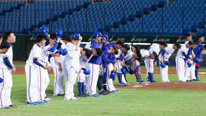 中華隊總教練洪一中表示,對古巴、澳洲官辦熱身賽除了13名投手全部上陣,還要從猿隊找五名投手支援。 聯合報系資料照