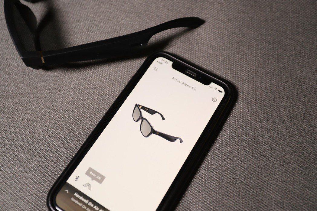 與Bose家族產品一樣,需先下載Bose Connect App,跟著步驟即能完...