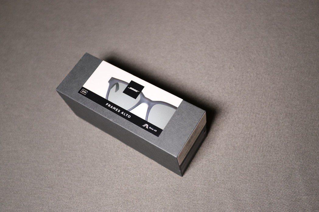 Bose Frames外盒如同精品。 彭子豪/攝影