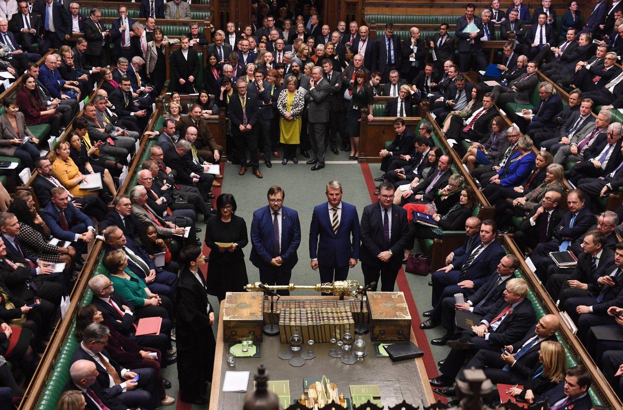 英國下議院今天以438票對20票通過首相強生的提前大選法案。 歐新社