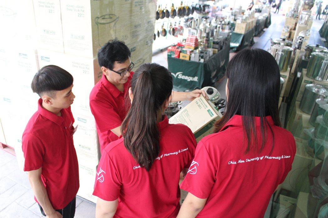 赴泰實習的同學不但可增加國際觀也增加了就業的競爭力。 嘉藥/提供