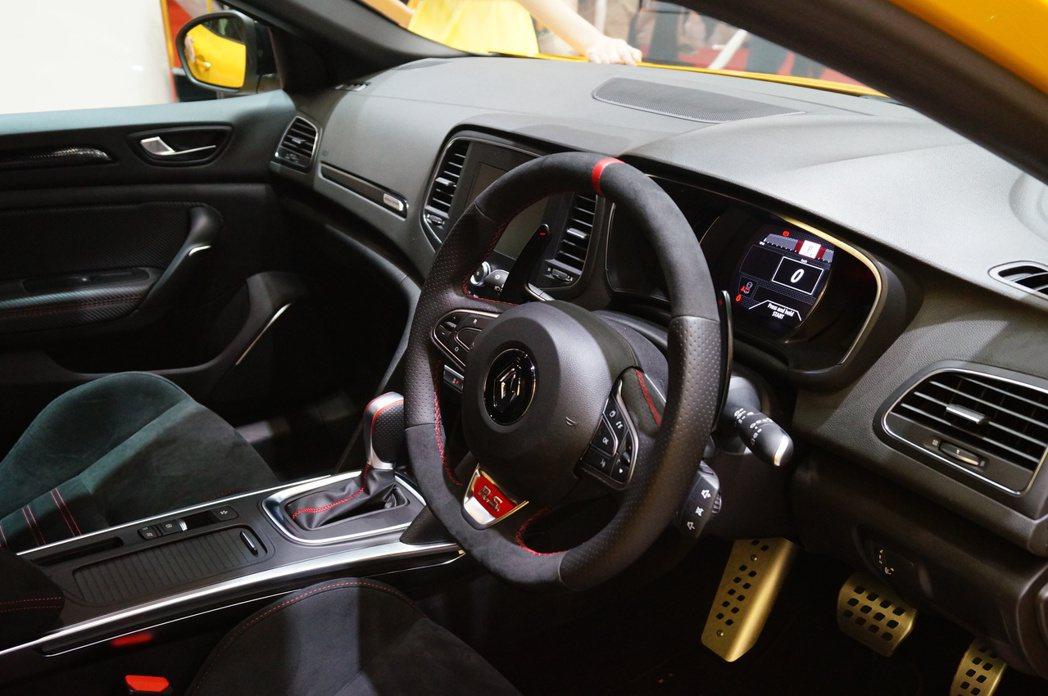 Renault Mégane R.S.內裝。 記者趙駿宏/攝影