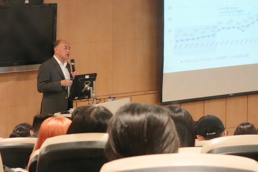 台北捷運公司總經理顏邦傑。 校方/提供