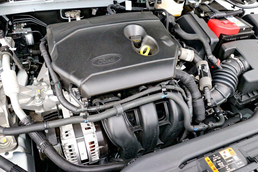 1.5升的直列三缸自然進氣引擎。 記者陳威任/攝影