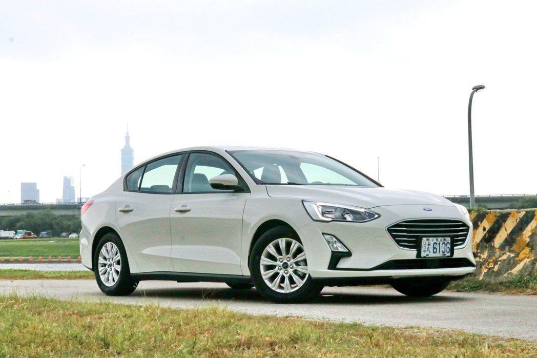 Ford Focus全新推出四門1.5L自然進氣動力車型。 記者陳威任/攝影