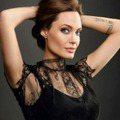 《黑魔女2》安潔莉娜裘莉44歲肌膚依舊不顯老!不靠醫美,日常保養秘訣大公開