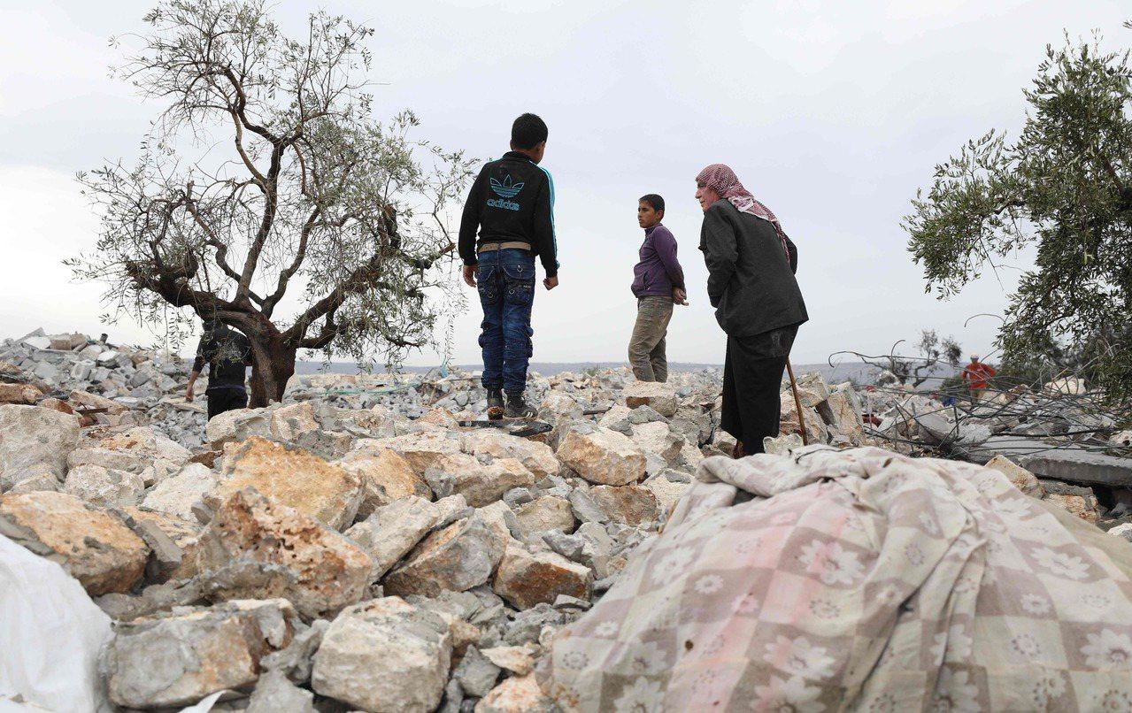 伊斯蘭國首腦巴格達迪最後藏身的巢穴被夷為平地。法新社