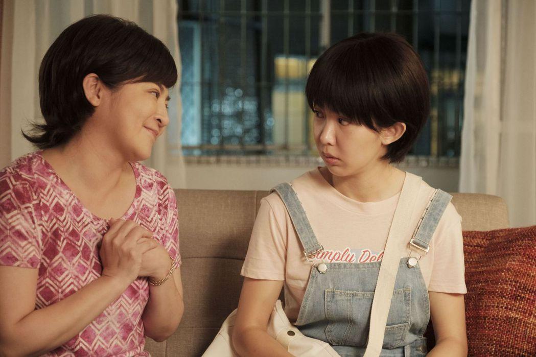 王彩樺(左)飾演郭書瑤的媽媽。圖/公視提供