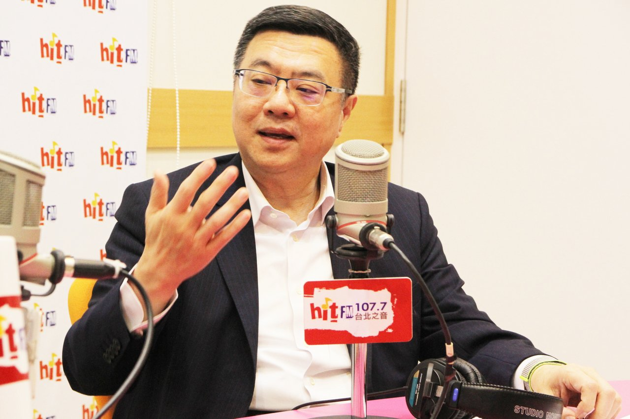 民進黨主席卓榮泰30日接受廣播節目專訪。圖/Hit Fm《周玉蔻嗆新聞》製作單位...