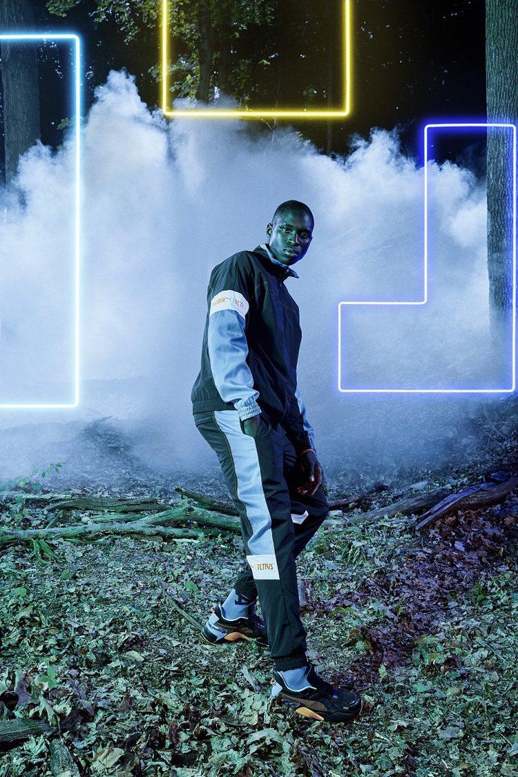 PUMA X TETRIS 立領外套,售價2,980元、長褲售價2,680元。圖...