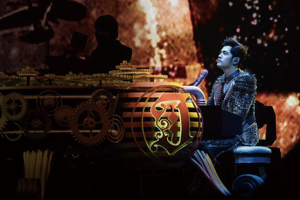 周杰倫歷時3年、120場的「地表最強」世界巡演DVD將於11月1日推出。圖/杰威...